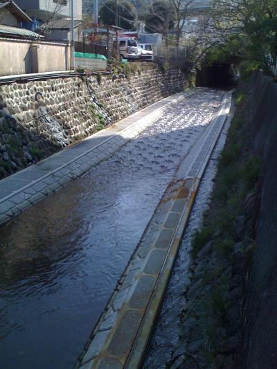 整備が進む水神川